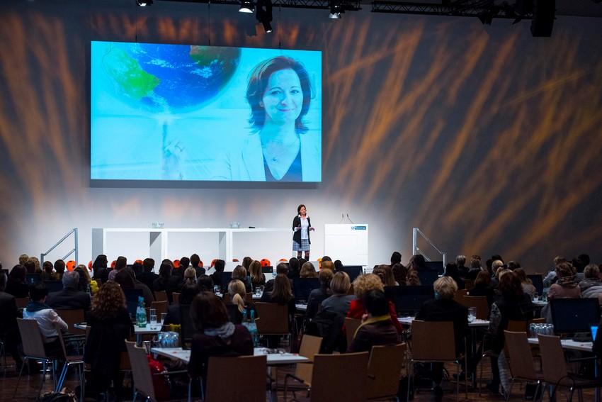 Gender Gap in der Rednerbranche – warum es Rednerinnen so schwer haben